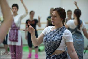 индийские танцы в Петербурге, научиться индийским танцам, обучение индийским танцам в Петербурге, студия индийского танца, школа индийских танцев, научиться индийским танцам, школа танца Елены Тарасовой, видеопособие по индийским танцам