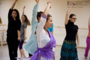 индийские танцы в Петербурге, научиться индийским танцам, студия индийского танца, школа индийских танцев, школа танца Елены Тарасовой, обучение индийским танцам в Петербурге, танцы днем, дневные группы, занятия днем