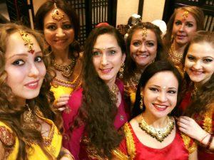 индийская вечеринка, индийские танцы на праздник, индийский танец на праздник, индийское шоу, танец на праздник, артисты на праздник, выступление индийского танца, восточный танец на праздник, танцевальный номер на праздник, bollywood, bollywood show, bollywood dance, Апсара, шоу-балет, Елена Тарасова