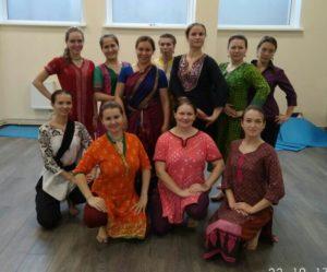 одежда индийских танцев, индийская одежда, индийский костюм, одежда для индийских танцев, индийское платье, индийский стиль, индия, школа индийского танца, студия индийского танца, индийские танцы спб, индийские танцы обучение спб, индийские танцы, Петербург, обучение индийскому танцу, индийские танцы в петербурге,