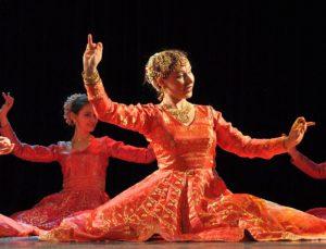 катхак муджра, kathak mujra, костюм катхак муджра купить, индийские танцы кино, болливудские танцы, обучение в Петербурге