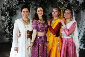 заказ танцовщицы на свадьбу, танец на свадьбу заказать, индийские танцы на мероприятие, танец на праздник, индийское шоу спб, танец в подарок, индийский танец заказать
