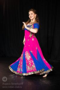 заказ танцовщицы на свадьбу, танец на свадьбу заказать, индийские танцы на мероприятие, танец на праздник, индийское шоу спб, танец в подарок